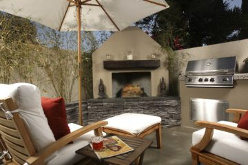 Don't Make These 4 Outdoor Entertaining Mistakes